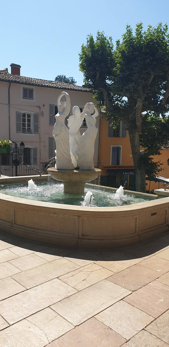 Fontaine jardin draguignan